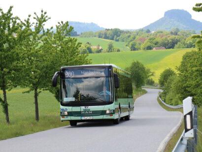 Zahlreiche Buslinien verbinden die Wanderrouten der Sächsischen Schweiz.