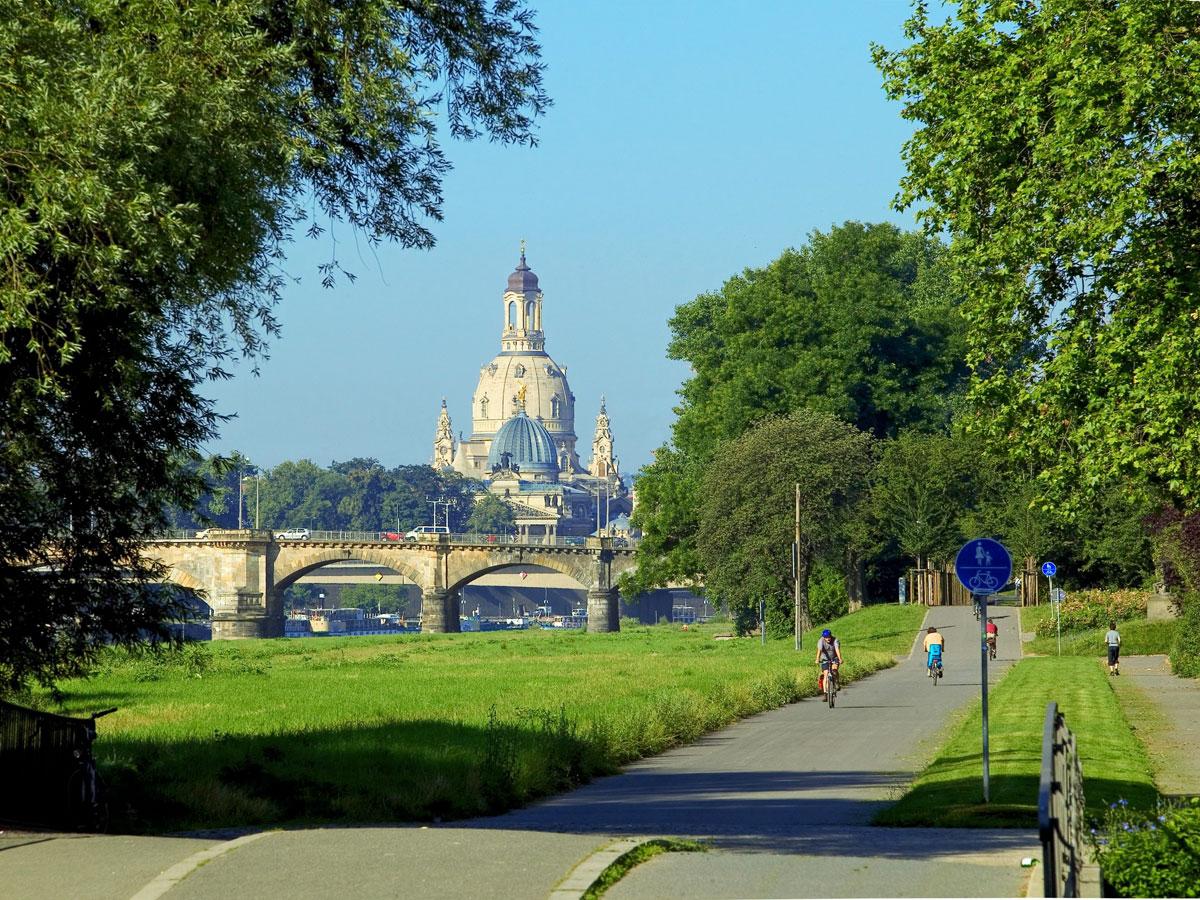 Dresden Frauenkirche Elberadweg