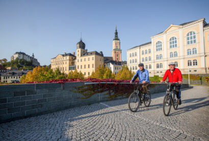 Entdeckungen auf dem Kulturweg der Vögte lassen sich gut mit Wander- oder Radtouren verknüpfen, wie hier in Greiz.