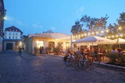 """In einer ehemaligen Gießerei am Westwerk in Leipzig hat das Restaurant """"Kaiserbad"""" sein Domizil."""