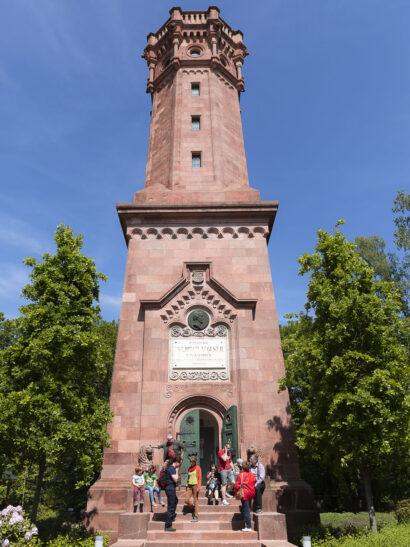 Der Friedrich-August-Turm auf dem Gipfel des Rochlitzer Berges bietet beste Aussichten.