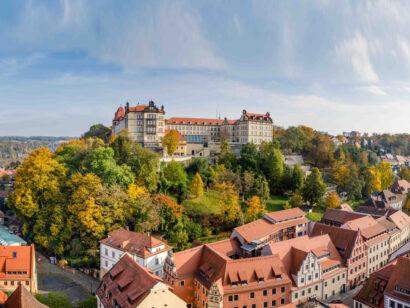 Pirnas Krone, die Festung Sonnenstein, thront über der Altstadt und dem Elbtal.