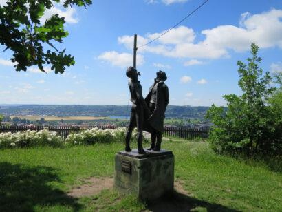 Skulptur Sterngucker Sternwarte Radebeul Weinwanderweg Sachsen